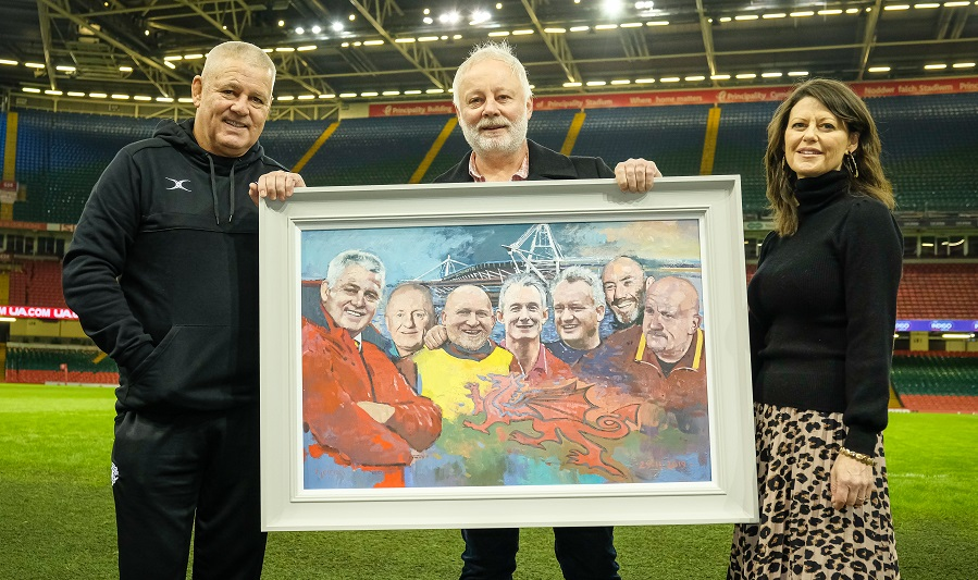 """Diolch Warren,"" – a gift from S4C to our departing coach"