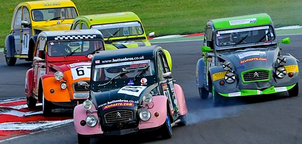 Anglesey track welcomes the 24hour 2CV race